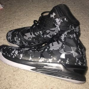 """Under Armour """"Charged"""" Gray/Black Athletic Shoes"""